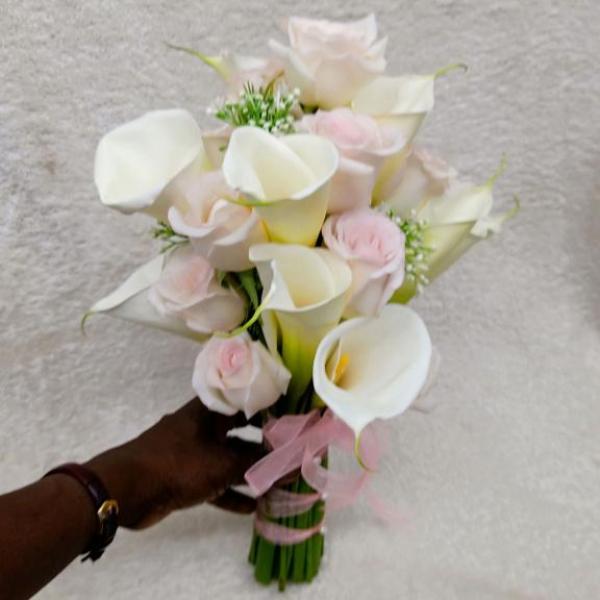 FD 327 Bridal Bouquet Calla Lily