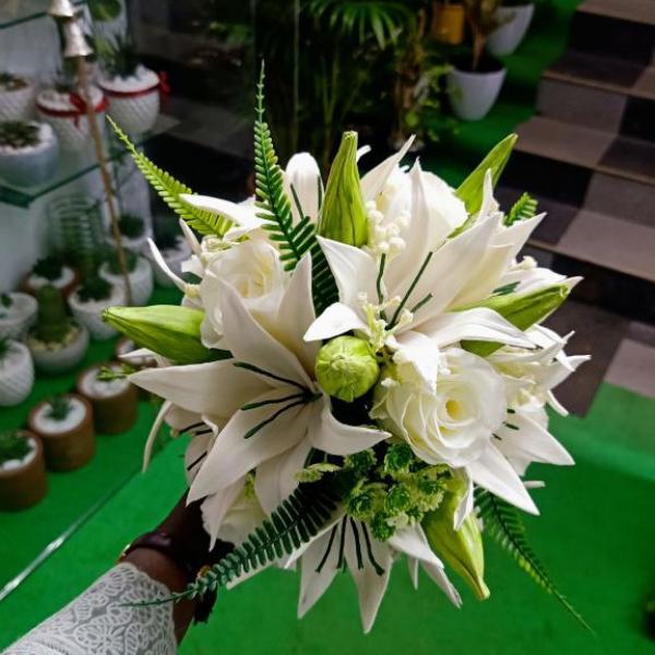 FD 332 Bridal Bouquet
