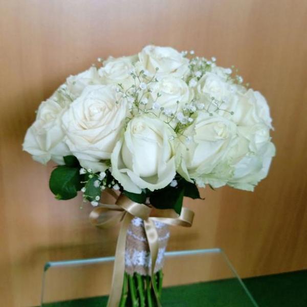 FD 215 Bridal Bouquet