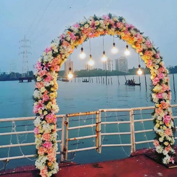 FD 315 Wedding Arch